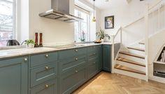 Bildgalleri Archives - Pickyliving Bathroom Ideas, Kitchen Cabinets, Home Decor, Decoration Home, Room Decor, Kitchen Cupboards, Interior Design, Home Interiors, Kitchen Shelves