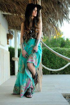 69e06e5ce22c Falda bohemia azul Emonk Ibiza de Madame de Rosa Boho Green