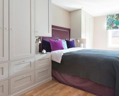 brubakkenhome.no wp-content gallery garderobe-soverom Garderobe-rundt-seng01124_utsnitt.jpg