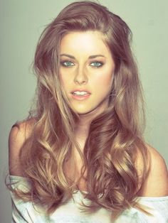 This is one of the only photos of Kristen Stewart where she actually looks hot