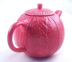 by Cris Figueired♥ Color Magenta, Porcelain Clay, Japanese Porcelain, Teapots And Cups, Tea Service, Chocolate Pots, High Tea, Cup And Saucer, Tea Time