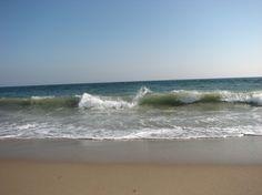 Charlestown, RI : Waves Rushing In - Charlestown, RI