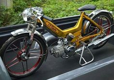 Puch Moped, Moped Motorcycle, Moped Scooter, Vintage Moped, Vintage Motorcycles, Scooters, Puch Maxi, Honda Cub, 50cc