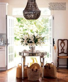 Wicker, sparkle, rustic, glam, all mixed into interior decorators design office de casas house design Hamptons House, The Hamptons, Elle Decor, Muebles Shabby Chic, Sweet Home, Mirrored Furniture, Mirrored Table, Wicker Furniture, Home And Deco