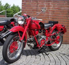 Moto Guzzi Airone red vl 1952- acquistata nel 1983 da Pinin, Seregno, il meccanico di Fausto Coppi