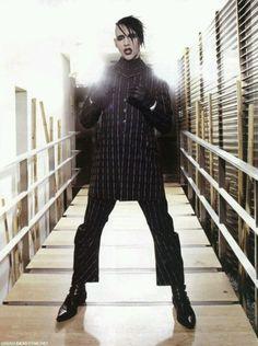 "Marilyn Manson - my ""personal Jesus"" Marilyn Manson, Brian Warner, Maria Brink, Tv Show Music, Nu Metal, First Down, Slipknot, Twiggy, My Favorite Music"