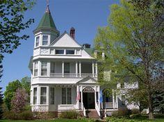 Phipps Inn Bed & Breakfast in Hudson, WI