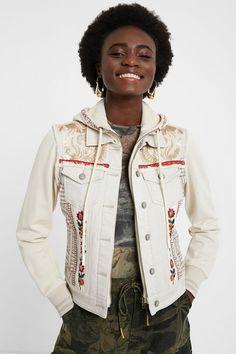 Jeansjacke Slim Fit mit Kapuze | Desigual Blazer Jeans, Blazer Jacket, Hooded Jacket, Athleisure, Mickey Vintage, Floral Denim, Slim Fit, Underwear, Floral Prints