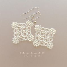Tatted earrings by Olha from Lelya.org