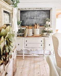 Sweet Home Decoration .Sweet Home Decoration French Country Kitchens, French Country Decorating, Country Homes, Country French, Kitchen Country, French Style, Old Farmhouse Kitchen, Farmhouse Buffet, Country Dining Rooms