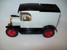 ERTL 1913 FORD MODEL T VAN TRUCK BANK DIE CAST 1:25