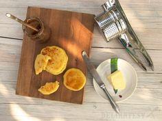 Hotové pampúchy s maslom a džemom