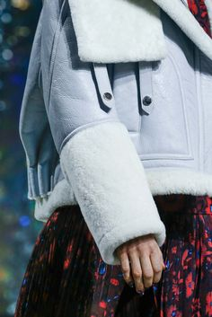 Kenzo Fall 2015 Ready-to-Wear Fashion Show Details