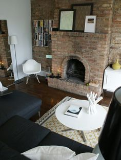 See More: Douglas & Matthew's Modern Apartment
