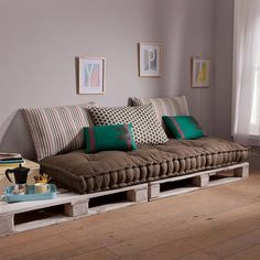 Spectacular Diy Projects Pallet Sofa Design Ideas For You - Furniture - Diy Pallet Sofa, Diy Couch, Pallet Furniture, Couch Cushions, Furniture Ideas, Furniture Design, Pallet Tables, Pallet Beds, Outdoor Pallet