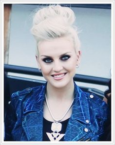 can i just look like Perrie please