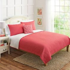 Better Homes and Gardens 4pc Solid Chevron Reversible Quilt Bedding Set, Pink