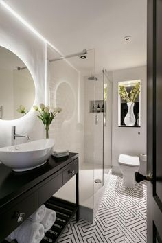 bathroom-Shanade-McAllister-Fisher-priem-1-use