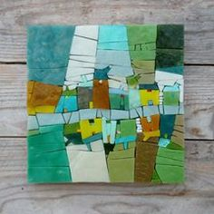 Allant vert... #village #mosaïque #mosaico #pâtedeverre #vert #green #rue #handcraft #métiersdart #michellecombeau #allantvert