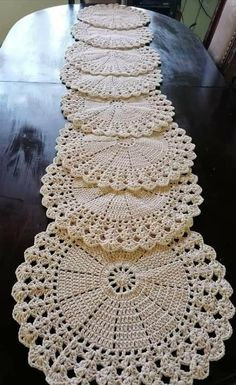 Crochet Placemat Patterns, Free Crochet Doily Patterns, Crochet Squares, Crochet Doilies, Crochet Stitches, Crochet Table Runner, Crochet Tablecloth, Crochet Crafts, Crochet Projects