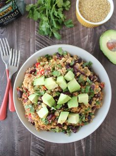 This recipe for One Pot Vegan Mexican Freekeh is so easy to make, totally healthy and filled with flavor!
