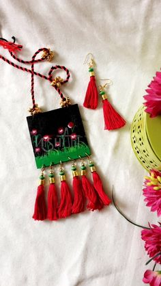 Ideas For Painting Fabric Fashion Tutorials Diy Jewelry Set, Diy Jewelry Necklace, Tassel Jewelry, Handmade Jewelry Designs, Textile Jewelry, Bead Jewellery, Fabric Jewelry, Bead Crafts, Jewelry Crafts