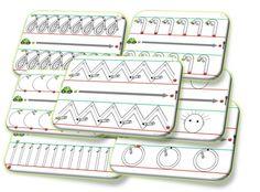 Les pistes d'écriture , 27 fiches de graphisme avec les lignes #dyspraxie et la petite voiture. La voiture démarre au vert et s'arrête au feu rouge. On part du point vert en direction du rouge, sans levé de crayon lorsqu'il n'y a pas d'espace entre les dessins. Les disques, de couleur orange, sont destinés à la numérotation des fiches.