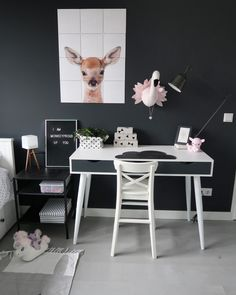 Get inspired by the cute photo of duo Lila + Lola! Modern Living Room Paint, Modern Wall Decor, Living Room Art, Accent Wall Bedroom, Bedroom Decor, Rum, Ideas Habitaciones, Fantasy Bedroom, Wood Interiors