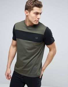 Discover men's t-shirts and tanks at ASOS. Shop from plain, printed and long sleeve t-shirts and tanks to longline and oversized styles with ASOS. New T Shirt Design, Shirt Print Design, Tee Shirt Designs, Polo Shirt Outfits, Mens Polo T Shirts, Tee Shirts, Casual Shirts, Camisa Nike, Blazer Fashion