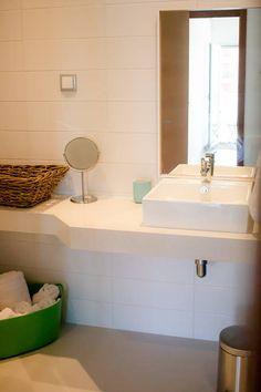 Veja este anúncio incrível na Airbnb: Restless Wave - 6 PAX Apartment - Apartamentos para Alugar em Atouguia da Baleia