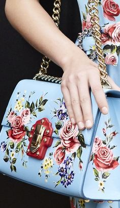 20 Fashionable Hand Bags Every Woman Should Own