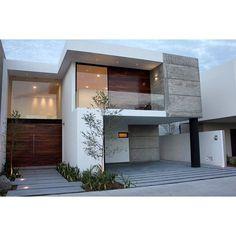 Casa 80 Se aprovecharon los muros de carga de concreto y se hicieron aparentes. #casa #concreto ...