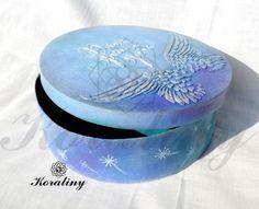 Pudełko z anielskimi skrzydłami