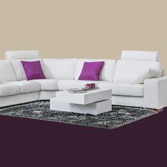 Tälle sohvalle mahtuu koko perhe (ja muutama vieraskin!) 😊 Malli: Tokyo Verhoilu: Nahka, Labrador 01 Vaihtoehdot: 2- ja 3-istuttava sohva, modulisohva, recliner, tuoli Jälleenmyyjä: Masku-myymälät  #pohjanmaan #pohjanmaankaluste  #koti #sohva #olohuone #livingroominspo #livingroomdecor