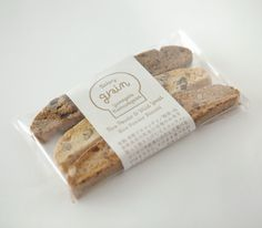 工房グレイン ビスコッティ Dessert Packaging, Bread Packaging, Bakery Packaging, Cookie Packaging, Food Packaging Design, Pretty Packaging, Packaging Design Inspiration, Bakery Design, Food Design