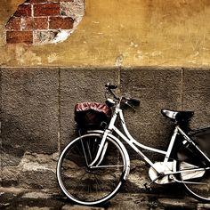 vintage wallpaper   Vintage Bike iPad Wallpaper   ipadflava.com