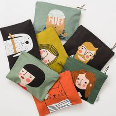 Hedda decorates this handy zipped pouch designed by Isabelle Sällström for Spira of Sweden. This useful pouch offers enough space for your daily essentials. Diy Tote Bag, Creation Couture, Toiletry Bag, Cloth Bags, Handmade Bags, Screen Printing, Purses And Bags, Sewing Projects, Creations