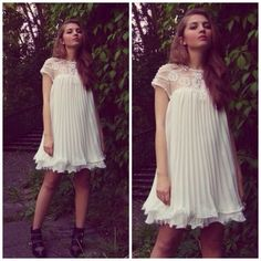 How to Chic: GET THE BLOGGERS LOOK - WHITE PLEATED DRESS