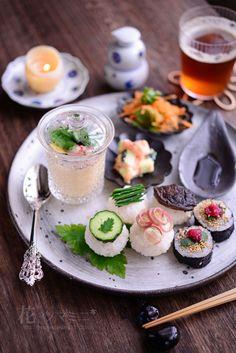 Let's do a sushi tea party. Sushi Recipes, Asian Recipes, Cooking Recipes, Japanese Dishes, Japanese Food Art, Food Presentation, Food Design, Food Plating, No Cook Meals
