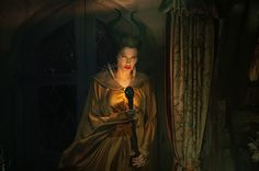 A gallery of Maleficent publicity stills and other photos. Featuring Angelina Jolie, Elle Fanning, Lesley Manville, Imelda Staunton and others. Maleficent 2014, Angelina Jolie Maleficent, Watch Maleficent, Disney Villains, Disney Movies, Disney Pixar, Oscar Films, Malificent, Sleeping Beauty