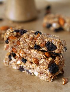 Gluten-Free No Bake Almond Blueberry Granola Bars   How to Make Almond Butter | http://hellonatural.co/no-bake-almond-blueberry-granola-bars/
