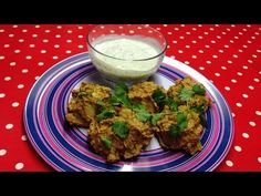 Syn free onion bhajis and mint yoghurt dip My Slimming World, Slimming World Recipes, Syn Free, Food Videos, Onion, Dips, Clean Eating, Stuffed Peppers, Dip
