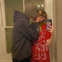 Wanting A Boyfriend, Boyfriend Goals, Future Boyfriend, Couple Goals, Cute Couples Goals, Emo Couples, Teenage Couples, Relationship Goals Pictures, Cute Relationships