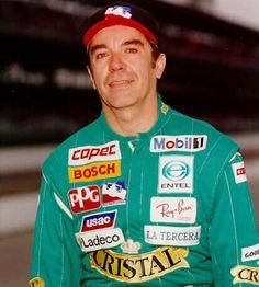 Eliseo Salazar nasce il 14 novembre 1954 a Santiago del Cile.