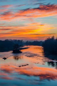 Sunset over Mureș River, Romania  (by Dominique Toussaint)