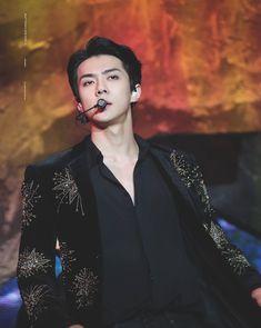 Sehun 2017 Mnet Asian Music Awards in Hong Kong Sehun, Park Chanyeol, K Pop, Exo Awards, Exo Lockscreen, Exo Ot12, Mnet Asian Music Awards, Handsome Anime Guys, Yixing