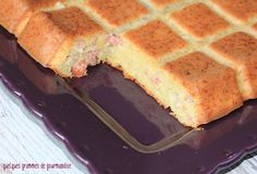 Cake salé saveur flammekueche - http://www.quelquesgrammesdegourmandise.com/cake-sale-saveur-flammekueche/