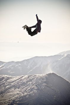 """With a snowboard on your feet the sky is the limit."" Jeremy Jones #snowboarding"