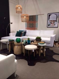 Puylaert Home Basics, wholesaler creating & distributing interior accessories, home textiles, bedding concepts, seating arrangements & lighting in trendsetting shops. www.puylaerthomebasics.be