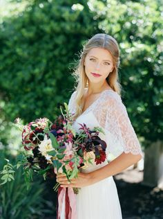 Delicate Fall Wedding Inspiration | Photos by Michelle Boyd